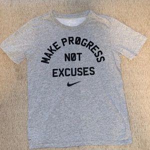 Nike Dri Fit t-shirt- small - C